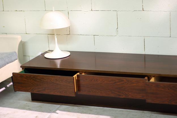 ... Vintage Lang, Laag en strak dressoir Palissander u2013 Dehuiszwaluw