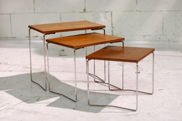 Retro vintage nesttafels chroom draadframe en teak hout for Ladeblok teak
