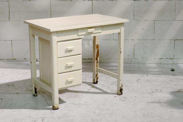 Leuk houten vintage bureau tje met beweegbaar ladeblok for Ladeblok hout