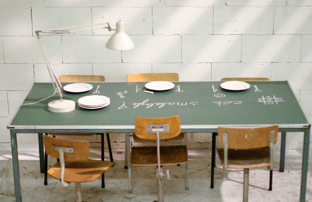 Uniek retro vintage industriele schoolbord tafel for Retro tafel