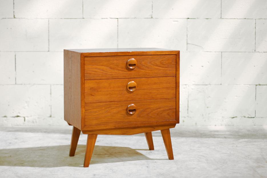 Retro Vintage ladenkastje    Dressoirtje Louis van Teeffelen?   Dehuiszwaluw