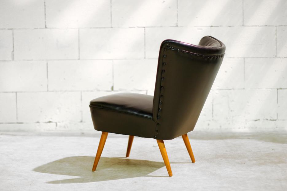 Cocktail Stoel Vintage : Retro vintage cocktail stoel zwart met houten pootjes u dehuiszwaluw