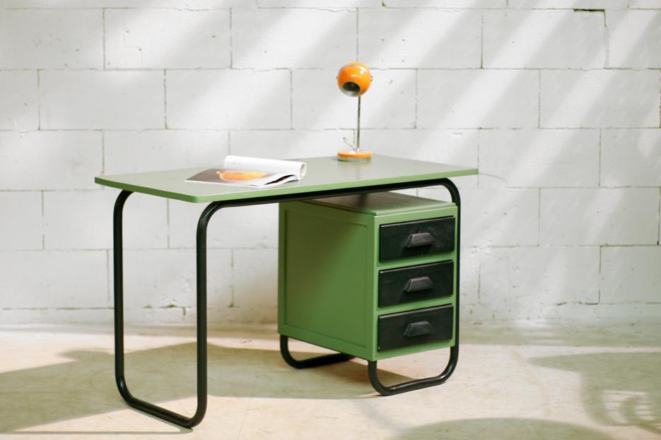 Industrieel vintage frans bureau jaren 60 dehuiszwaluw for Bureau retro