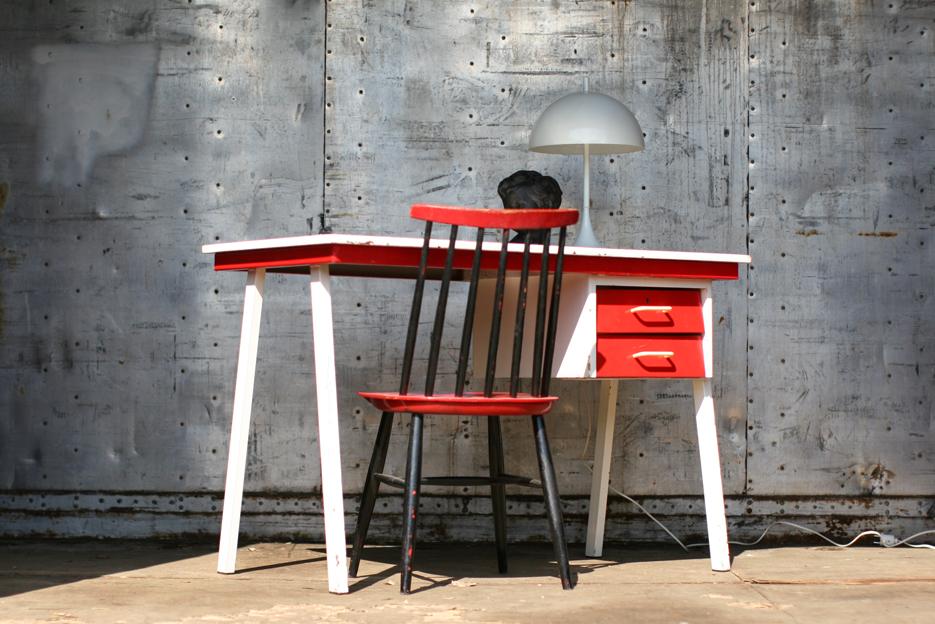 Retro vintage metaal en houten bureau rood wit jaren 60 for Ladenblok op bureau