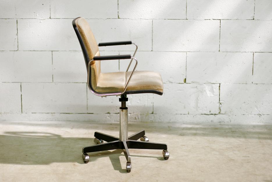 Artifort Bureaustoel Vintage.Retro Vintage Gispen Bureaustoel Op Wielen Vroeg Jaren 60