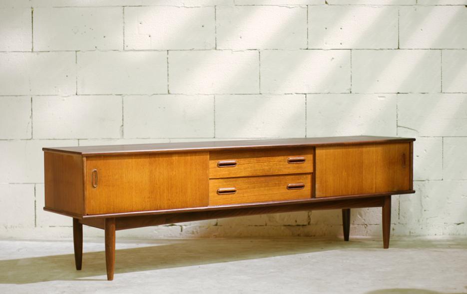 Gaaf retro vintage lang dressoir op pootjes jaren 50 60 for Jaren 50 60 meubels