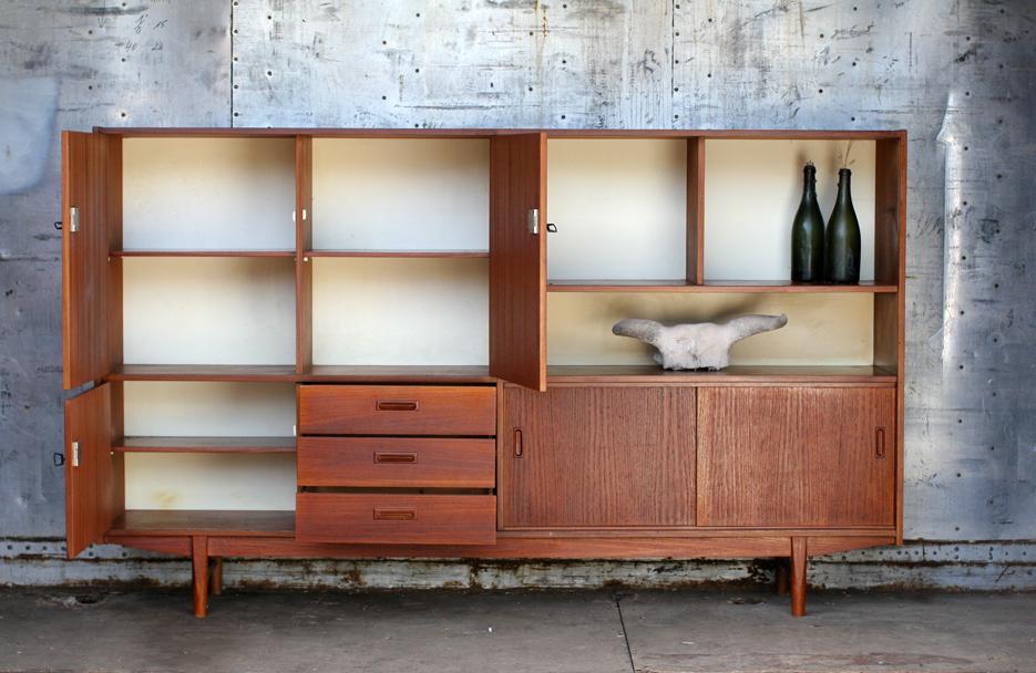 retro vintage highboard jaren 60 teakhout dehuiszwaluw. Black Bedroom Furniture Sets. Home Design Ideas