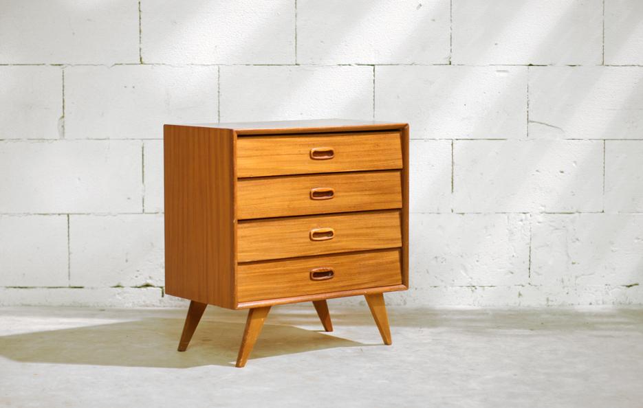 Retro Vintage ladenkastje    Dressoirtje jaren 60 Fristho?   Dehuiszwaluw