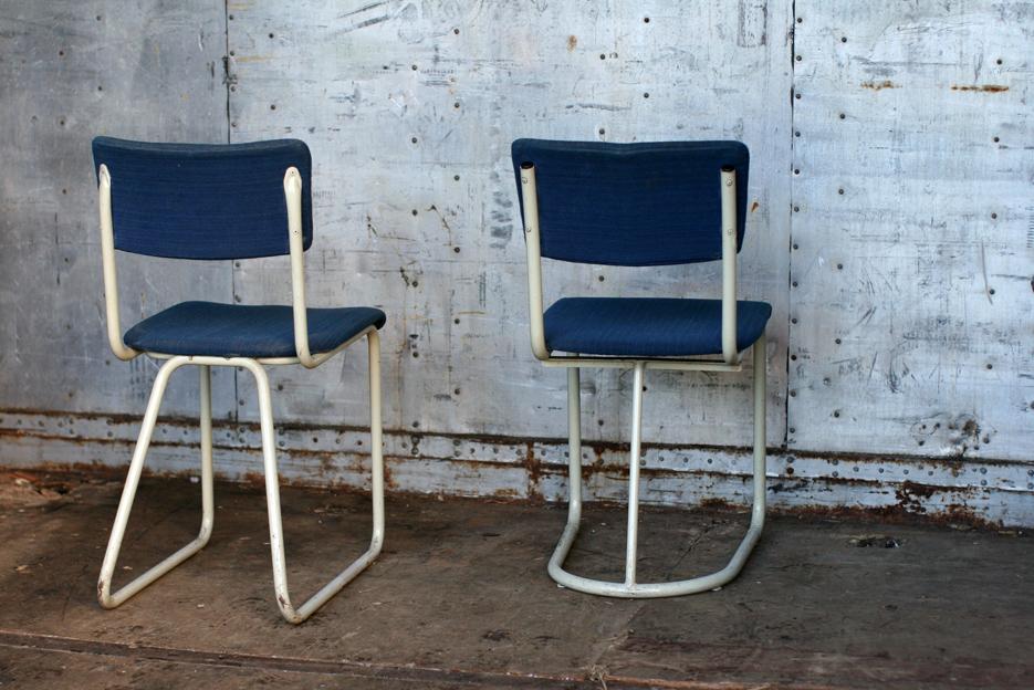 2 Industrieel Vintage Gispen stoelen uit de jaren 50   Dehuiszwaluw