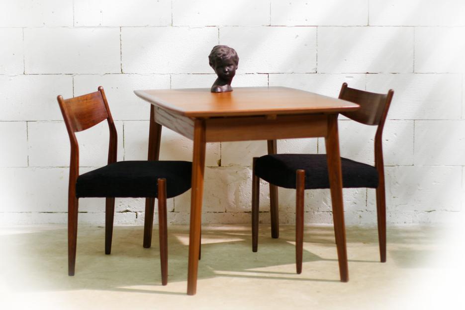 Retro vintage teakhouten eettafel uitschuifbaar jaren 60 for Horeca tafels en stoelen te koop