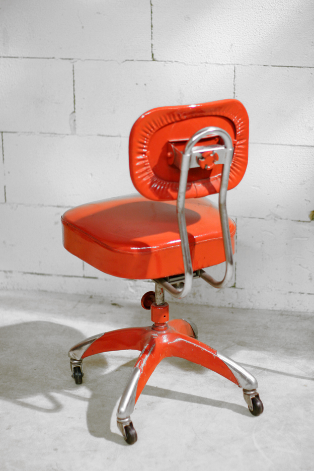 Industriele Bureau Stoel.Industrieel Vintage Bureaustoel Jaren 50 Rood Chroom Dehuiszwaluw