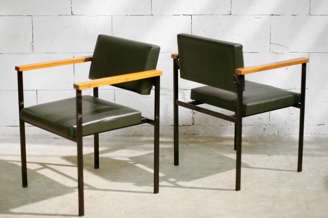 Industrieel vintage fauteuils met stalen frame en for Industrieel fauteuil