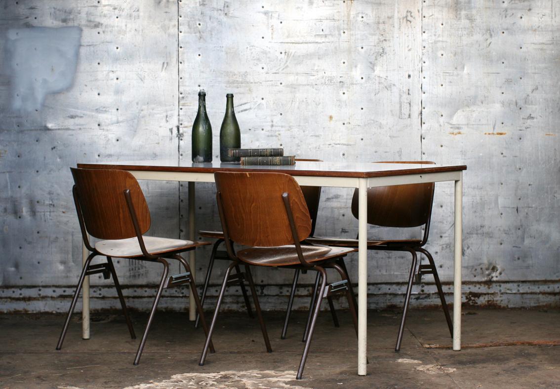 Geweldige royale Industrieel Vintage Plywood Marko Schoolstoelen uit ...