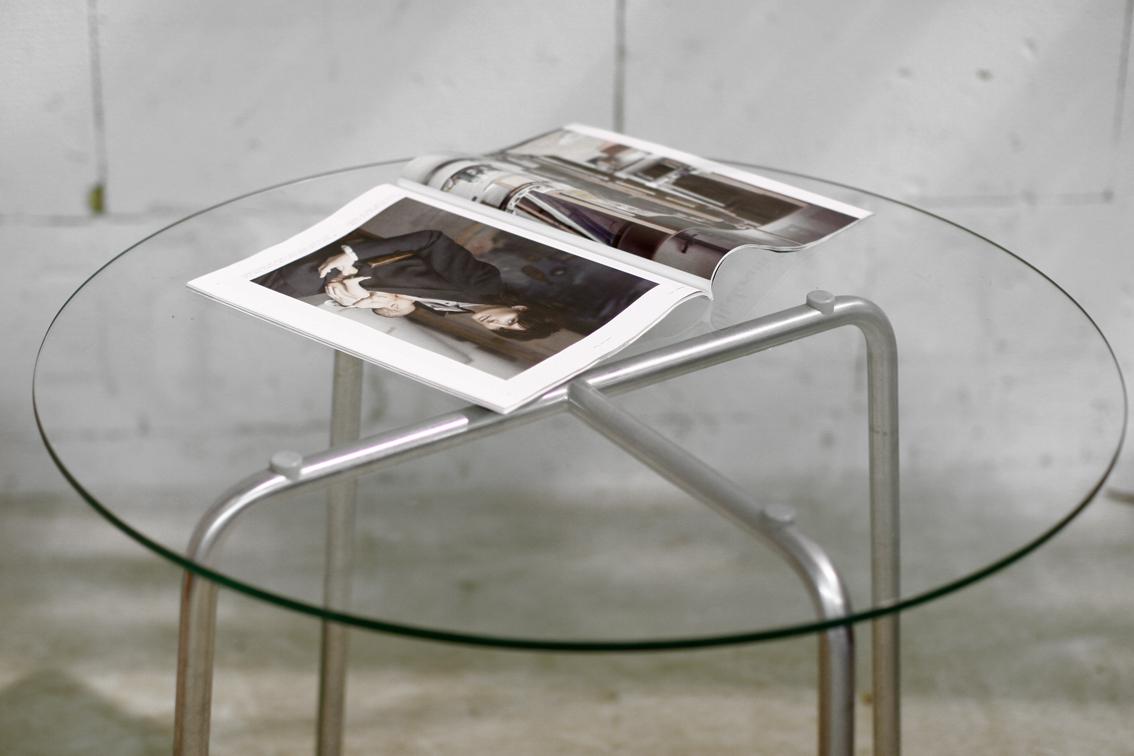 Retro Tafel Rond : Retro vintage buisframe tafel met rond glazen blad. u2013 dehuiszwaluw