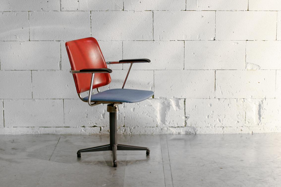 Vintage industrieel bi color bureaustoel draaistoel jaren for Bureaustoel vintage