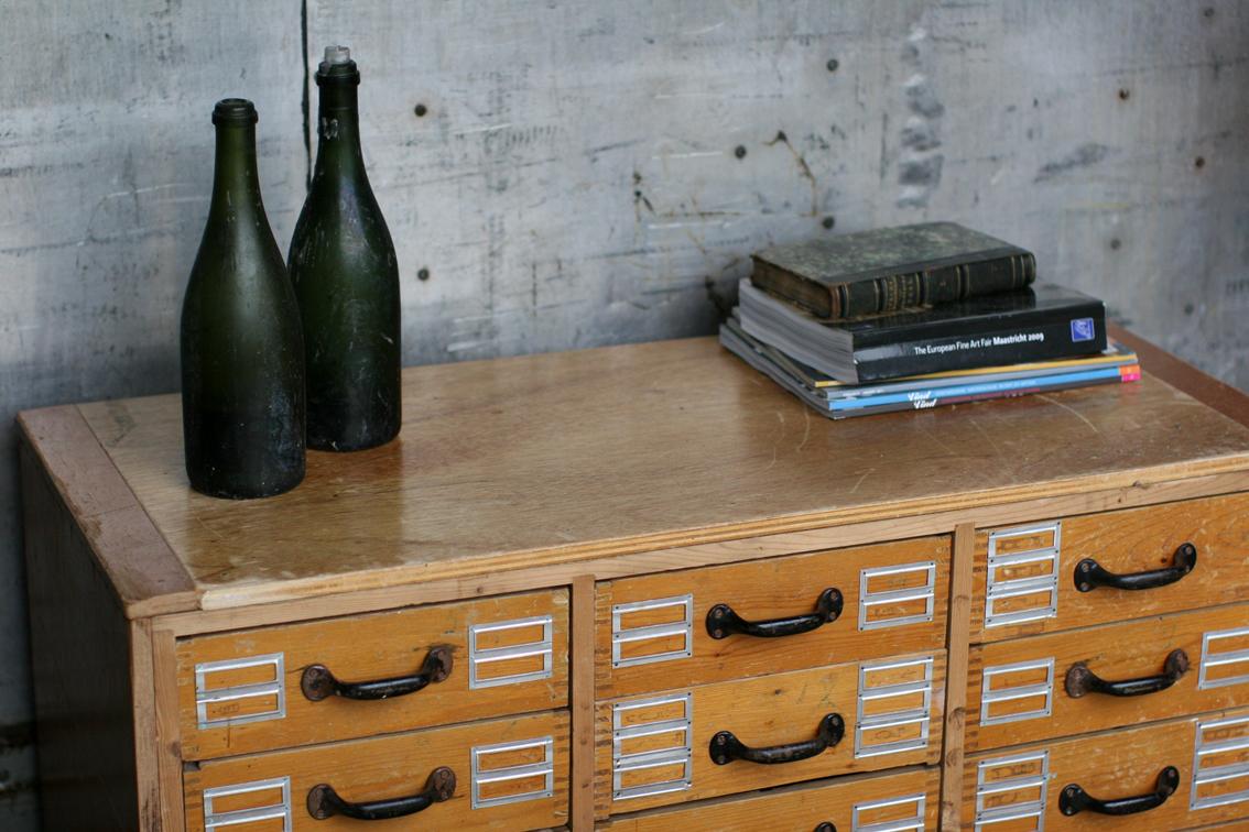 Super gaaf oud Industrieel Vintage ladenkastje te gebruiken als ...
