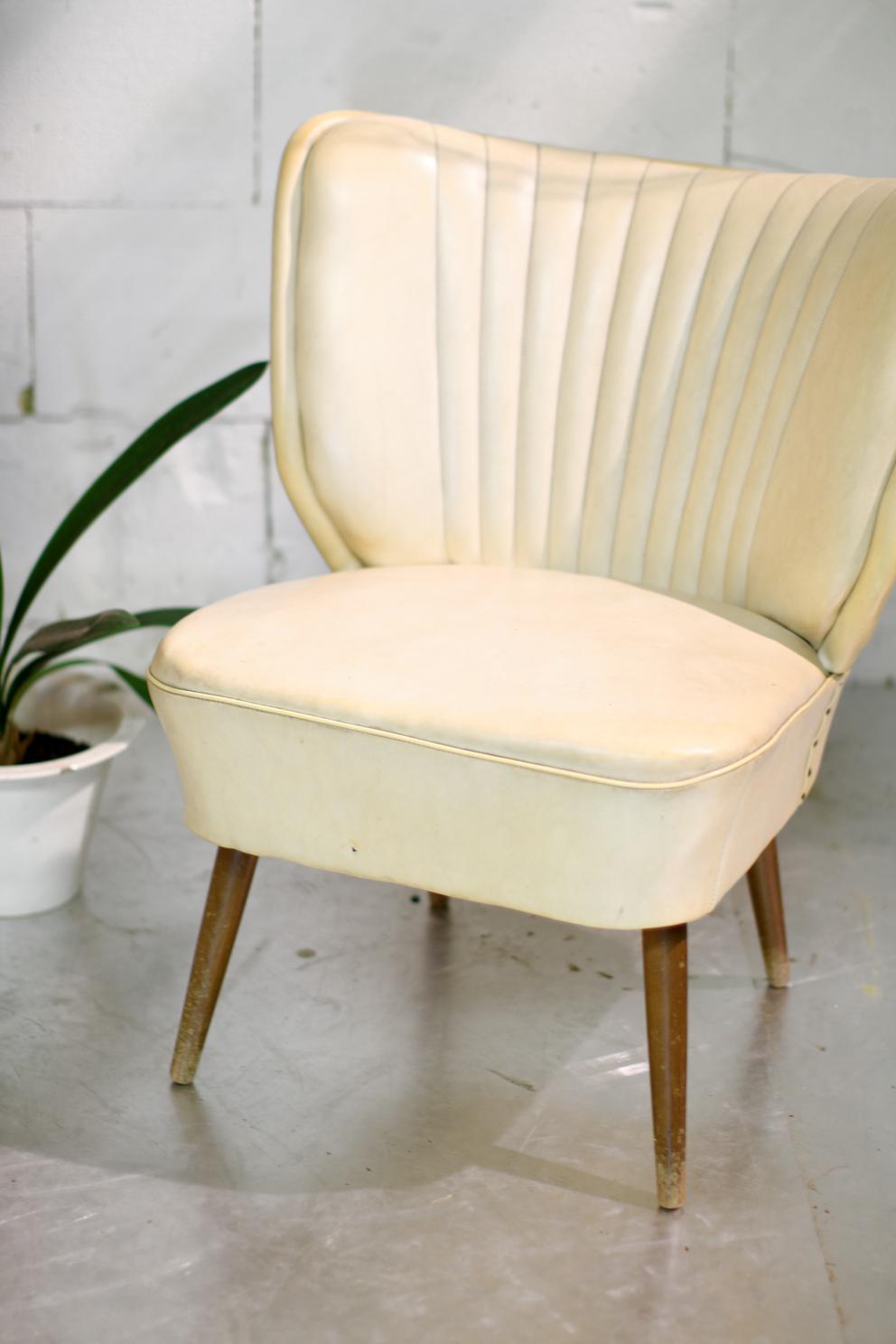 retro vintage cocktail fauteuil jaren 60 creme wit dehuiszwaluw. Black Bedroom Furniture Sets. Home Design Ideas