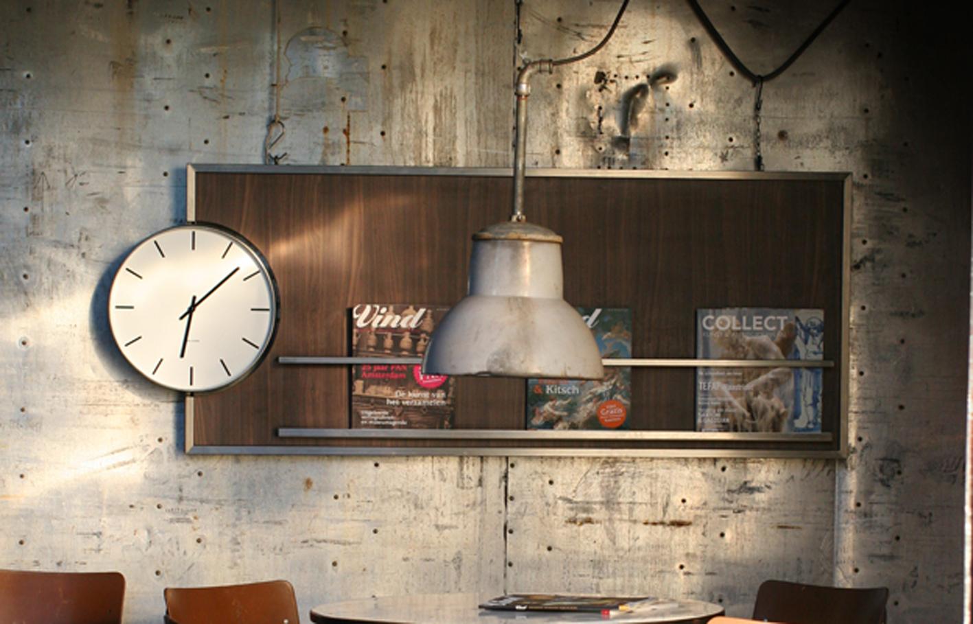 Super Retro Vintage Klok en Magazinehouder Bijzonder object – Dehuiszwaluw ZY-18