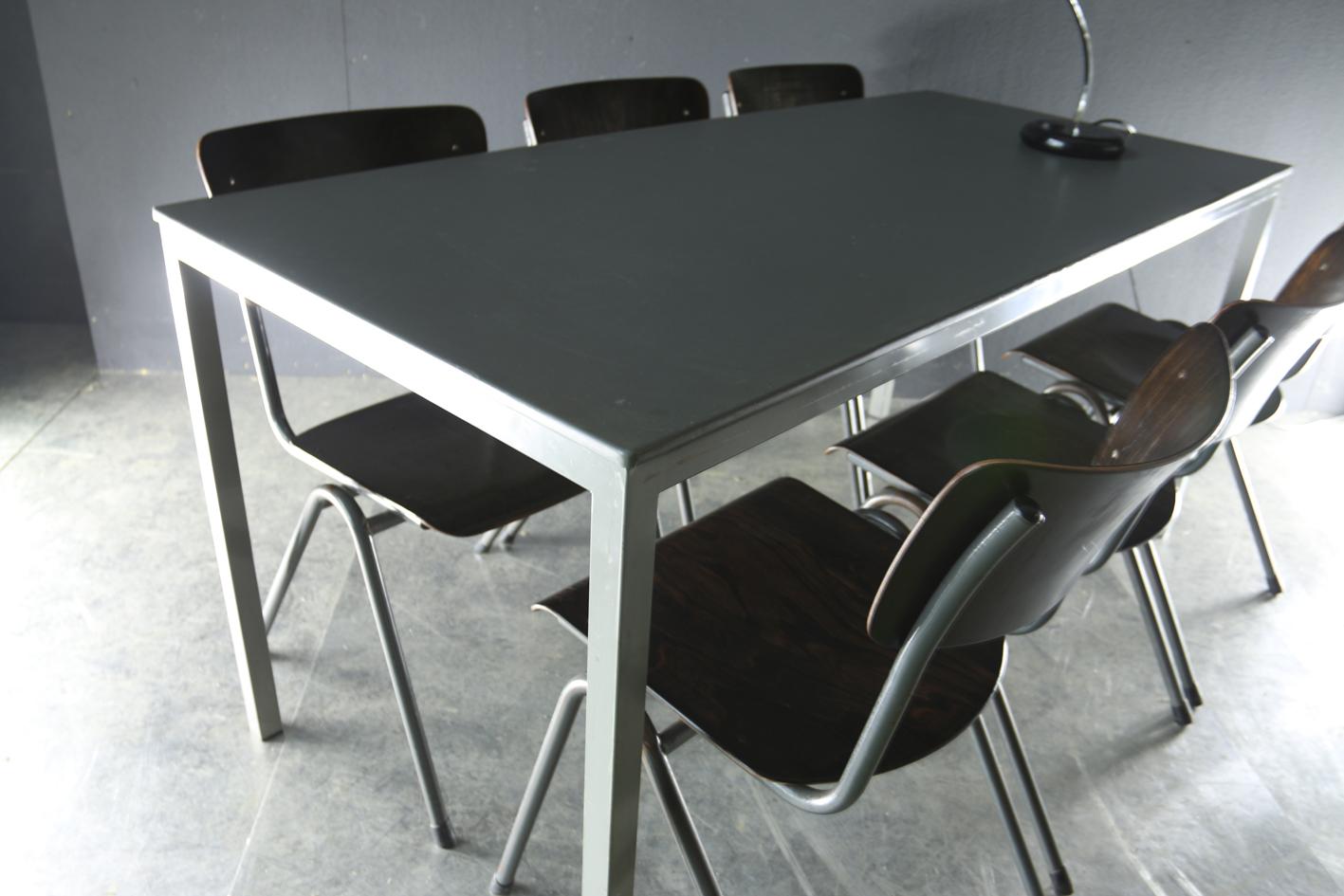 Industrieel vintage metaal linoleum jaren 60 tafel u2013 dehuiszwaluw