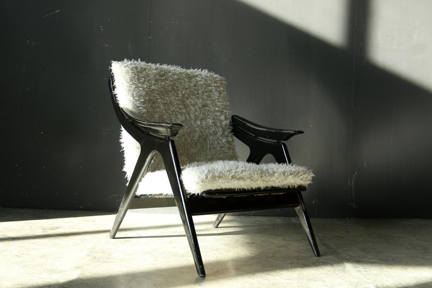 Schapenvacht Over Stoel : Top! retro vintage gelderland fauteuil met schapenvacht 60