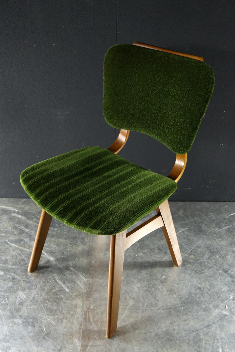Retro vintage stoelen groen en licht plywood hout jaren 60 for Vintage stoelen