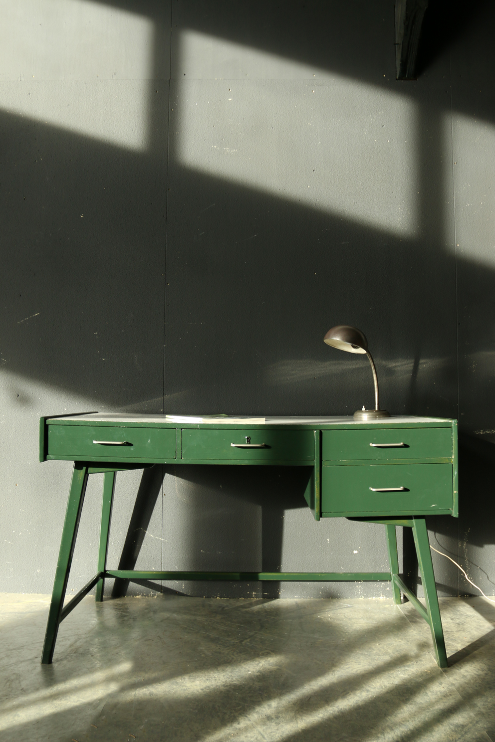 super retro vintage bureau jaren 60 groen wit dehuiszwaluw. Black Bedroom Furniture Sets. Home Design Ideas