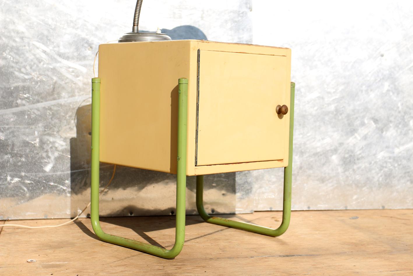 Retro vintage bauhaus buisframe nachtkastje jaren 50 dehuiszwaluw - Metalen nachtkastje ...