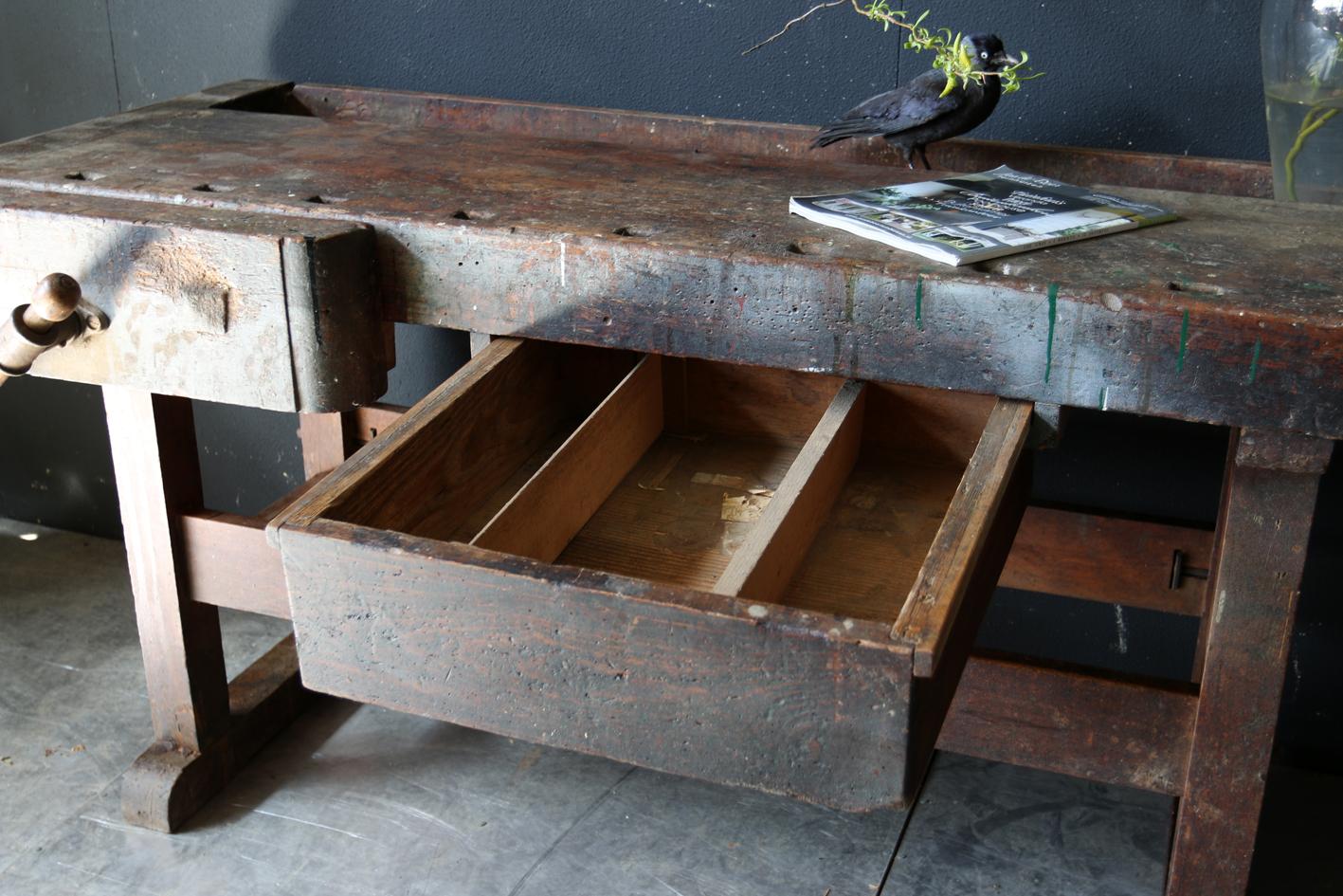 Een Top Industrieel Antiek Vintage Werkbank met zeer mooi geleefd ...