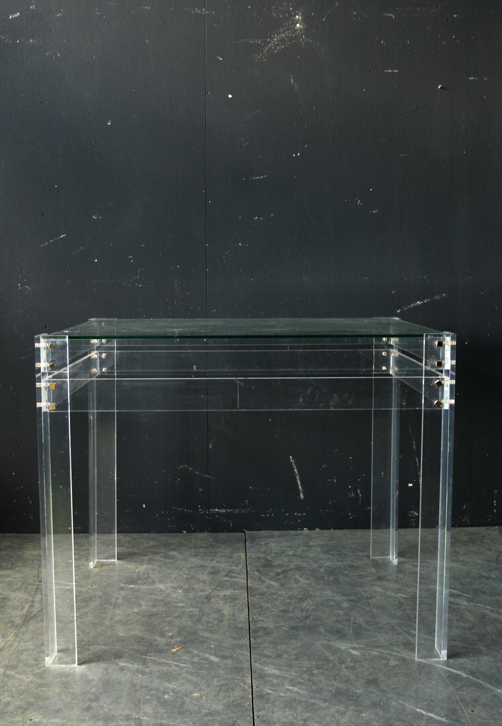 Glazen Sidetable Messing.Plexiglas Dehuiszwaluw