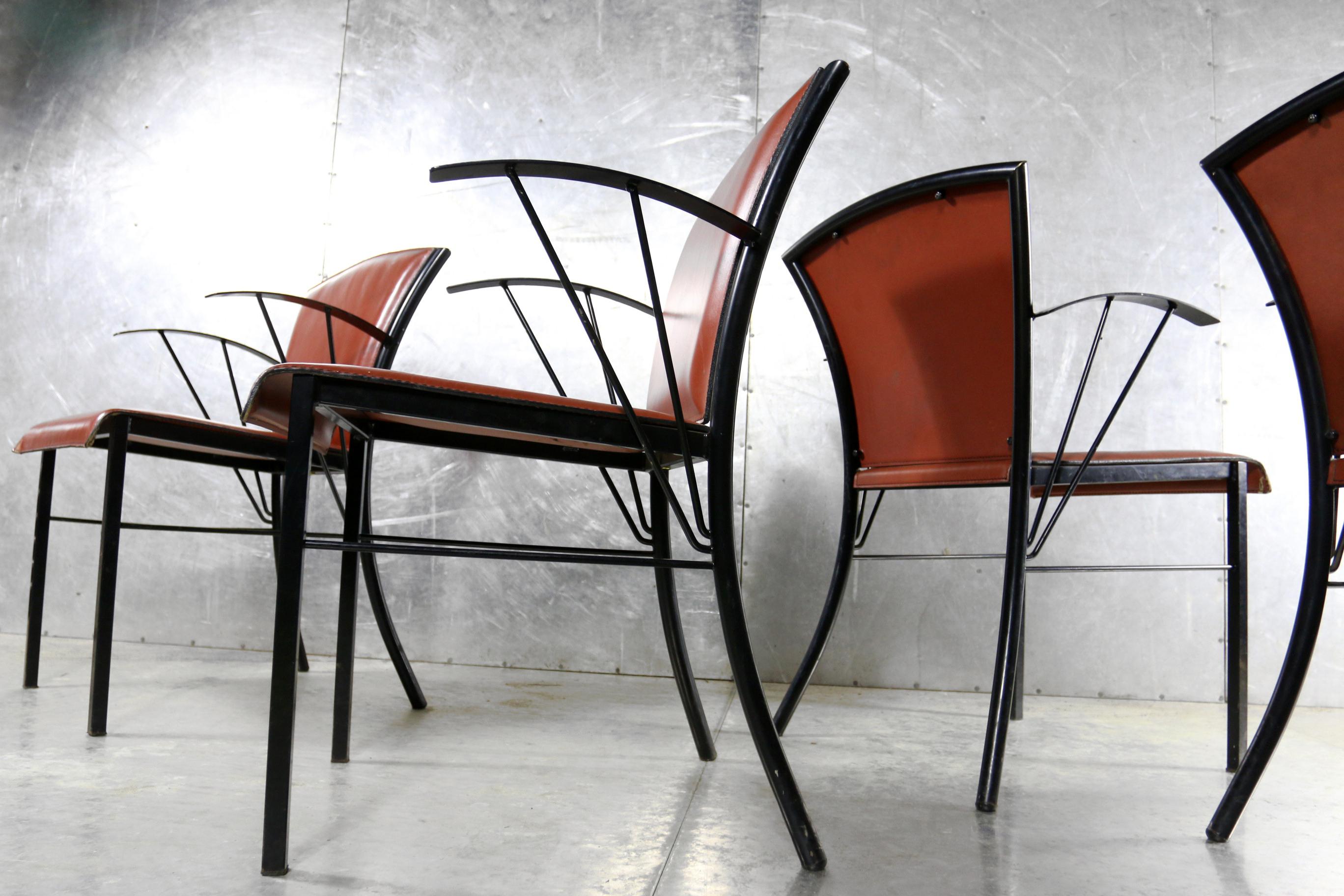 Top arrben italy vintage design metaal tuigleer stoelen for Vintage stoelen