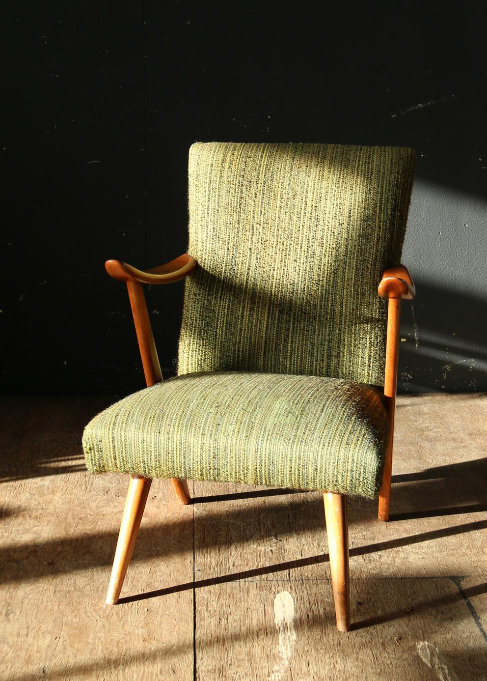 Top deens vintage design groen en teakhout fauteuil jaren for Mooie design fauteuils