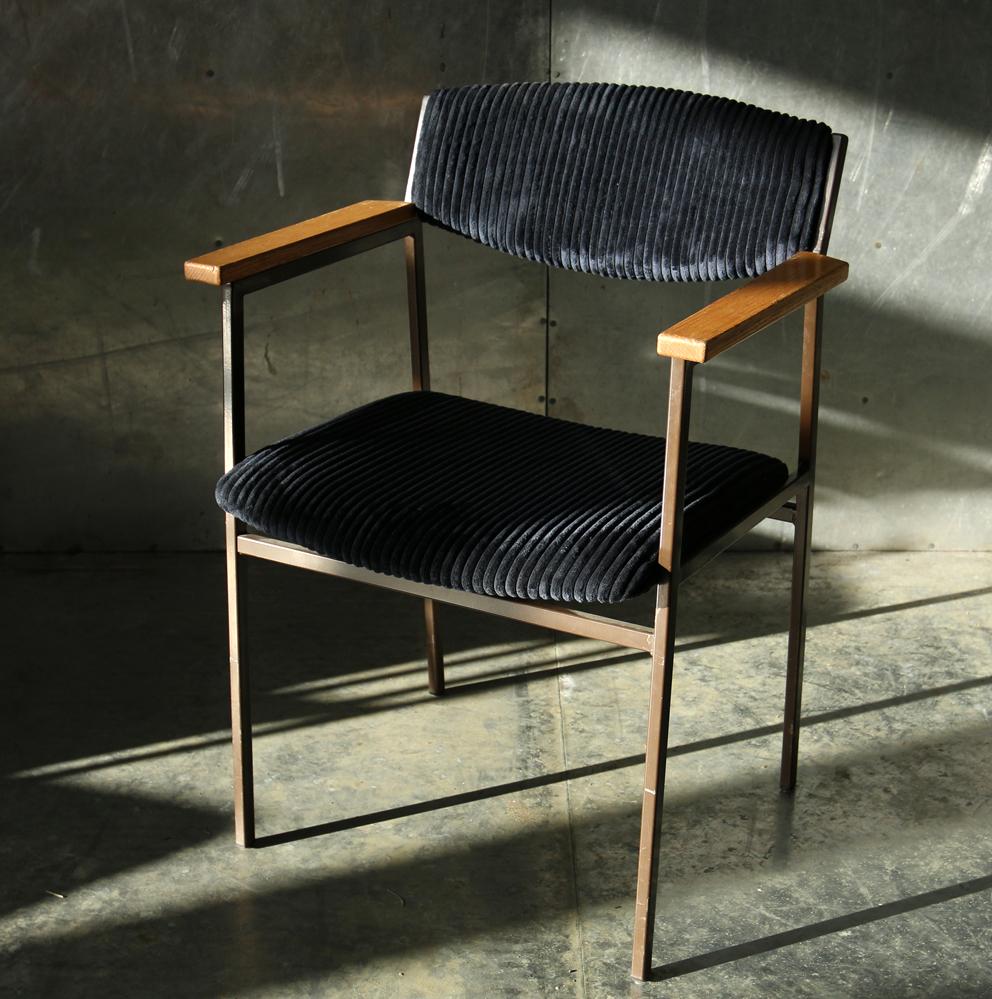 Vintage design gijs van der sluis stoelen met armleuning for Vintage stoelen