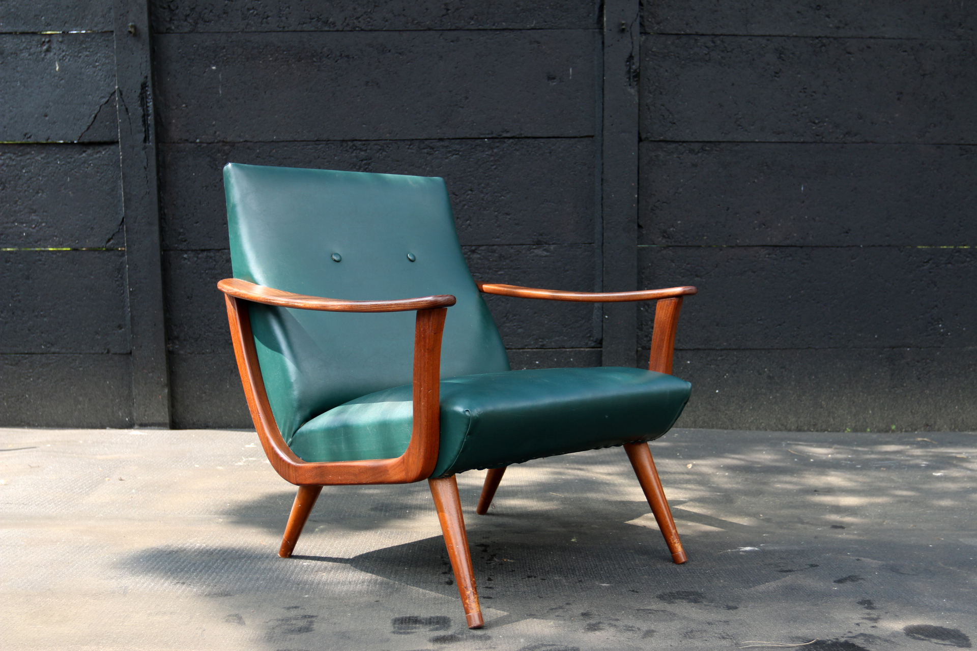 vintage design teakhout smaragdgroene fauteuil jaren 50 dehuiszwaluw. Black Bedroom Furniture Sets. Home Design Ideas