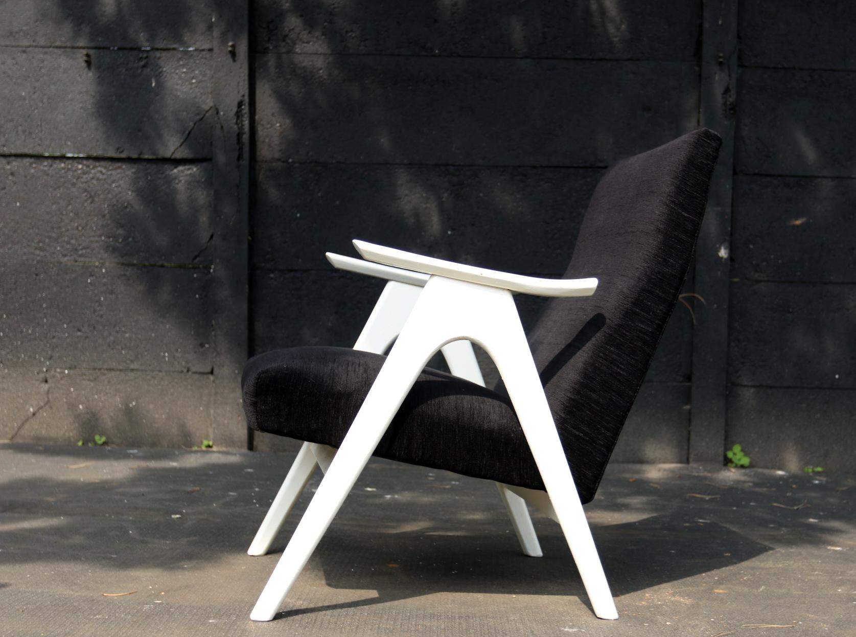Leuke Design Fauteuil.Vintage Design Zwart Wit Fauteuil Jaren 60 Dehuiszwaluw