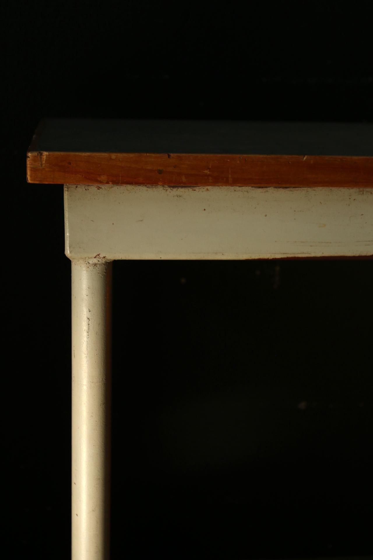Tafels dehuiszwaluw for Het ladeblok
