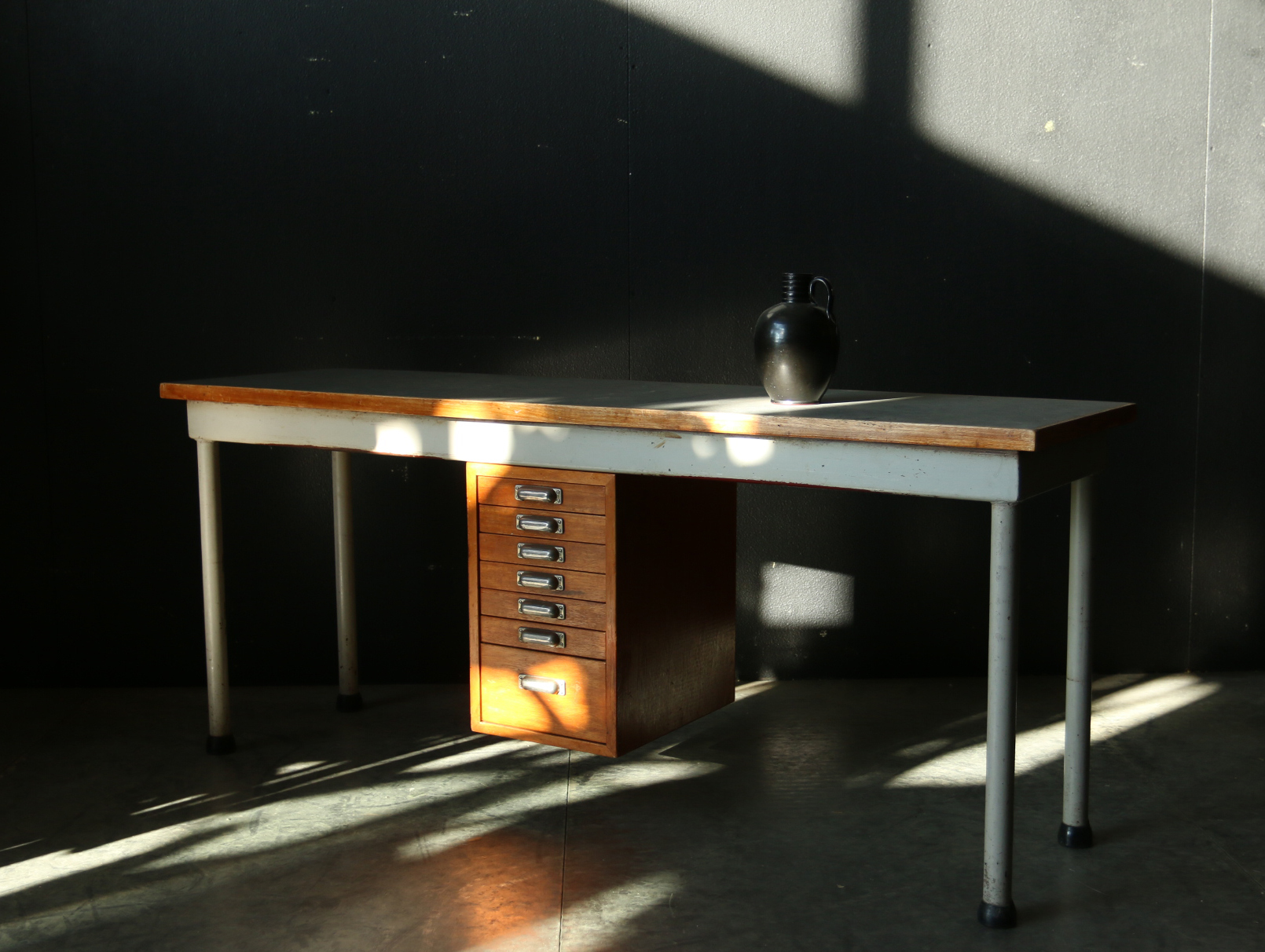 Schrijfmachinetafel dehuiszwaluw for Ladeblok metaal