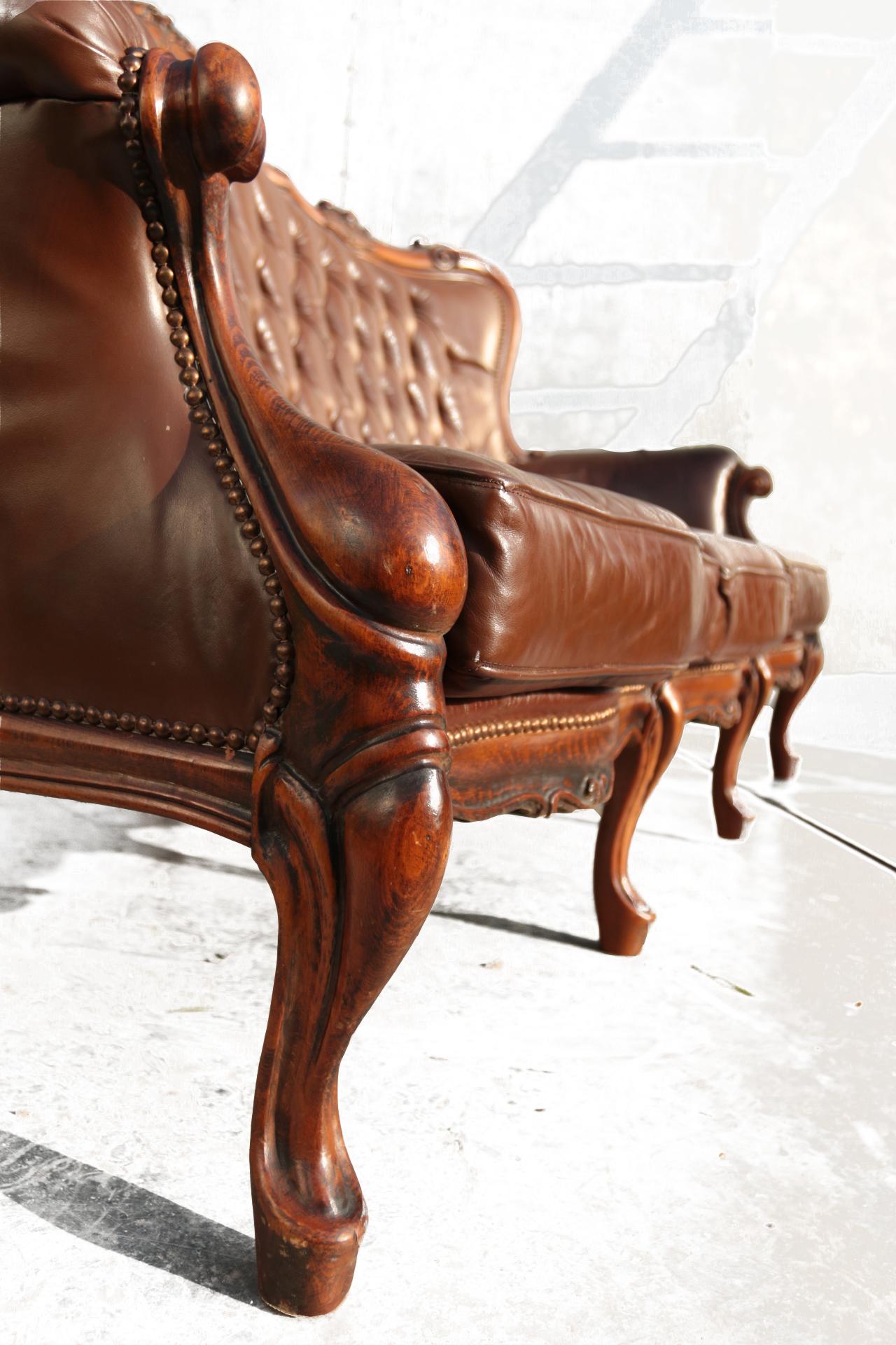 Barok Leren Stoel.Vintage Barok Leren Gecapitonneerde Driezits Bank Dehuiszwaluw