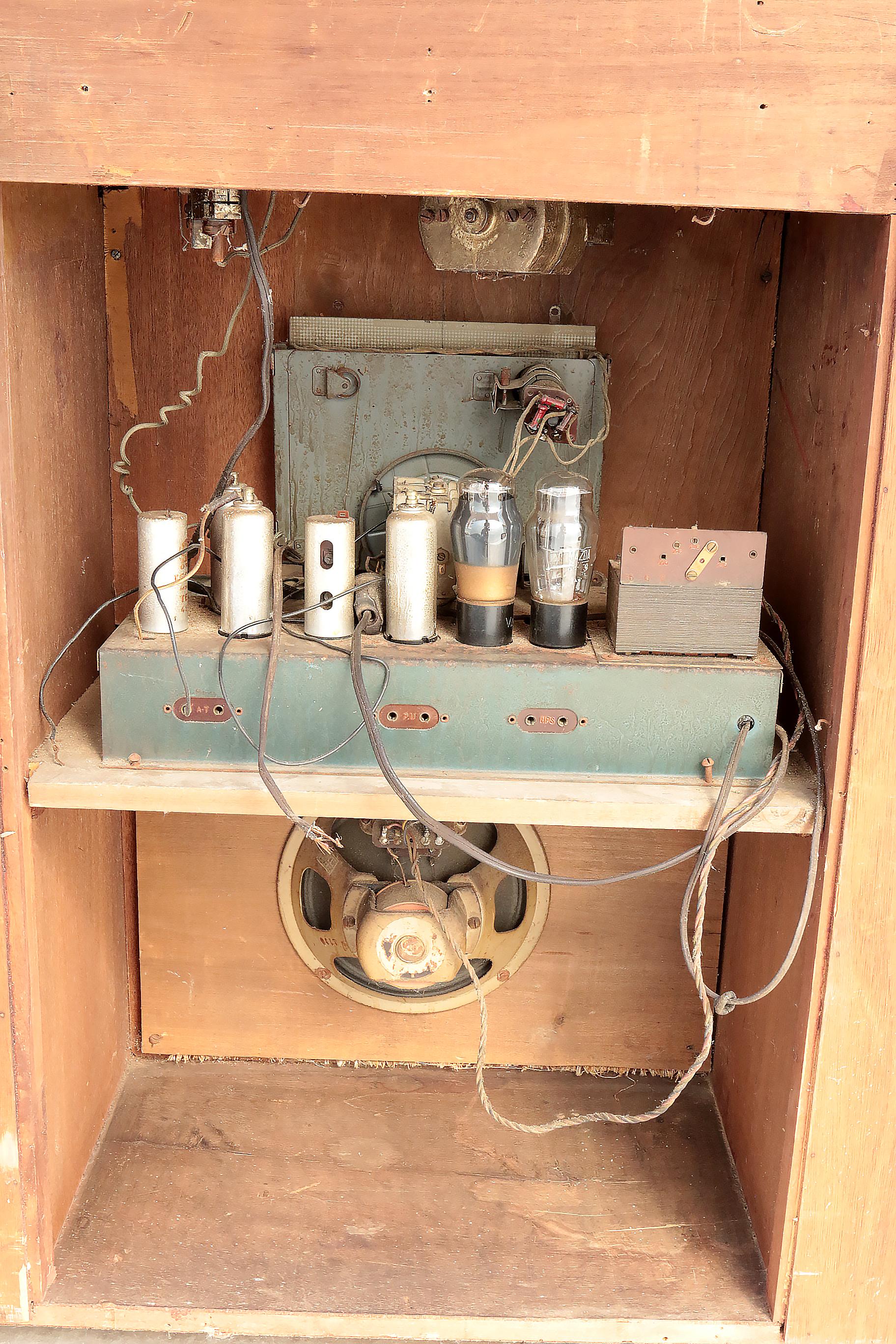 Jaren 30 Meubels.Art Deco Design Radio Pick Up Meubel Jaren 30 Museumstuk Dehuiszwaluw